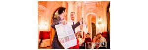 Mentaliste magicien en action lors d'une soirée de prestige au palace beau rivage à Genève